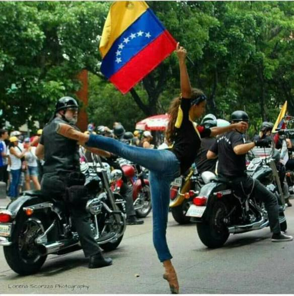 Bailarina protestando
